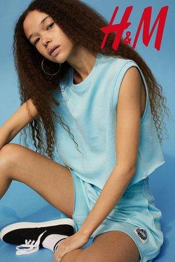 Promos de Vetêments, chaussures et accessoires dans le prospectus à H&M ( Nouveau)