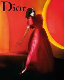 Promos de Vetêments, chaussures et accessoires dans le prospectus à Dior ( Publié hier)