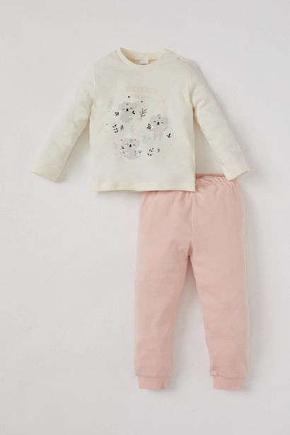 BABY GIRL KOALA PRINTED TOP AND BOTTOM SET offre à 99 Dh