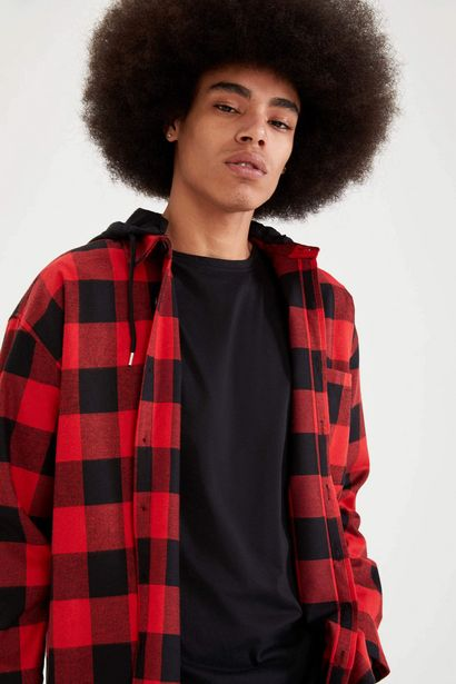 HOODED PLAID OVERSIZE FIT LONG SLEEVE SHIRT offre à 179 Dh