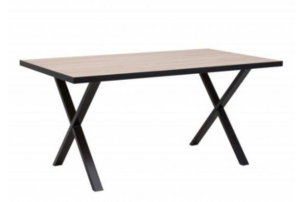 Table à manger CAREA - Chêne beige et mat offre à 2095 Dh