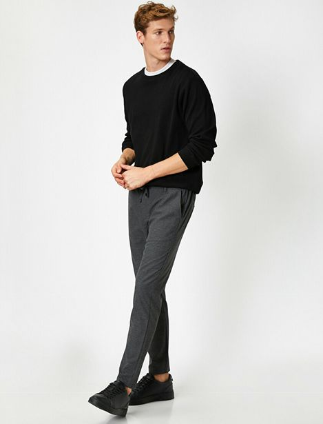 Striped Lace Up Chino Trousers offre à 69,99 Dh